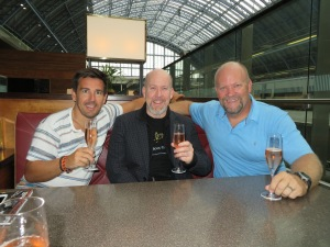 Met up with James and Michael (Bill's cousin) at St. Pancras Station... drank a bottle of bubbly at the champagne bar!