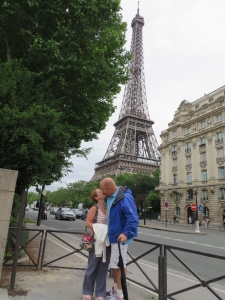 Smooches by the Eiffel Tower!