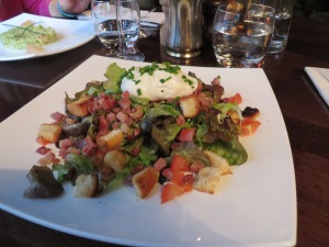 Le Coupe-Chou.... Bill's salad